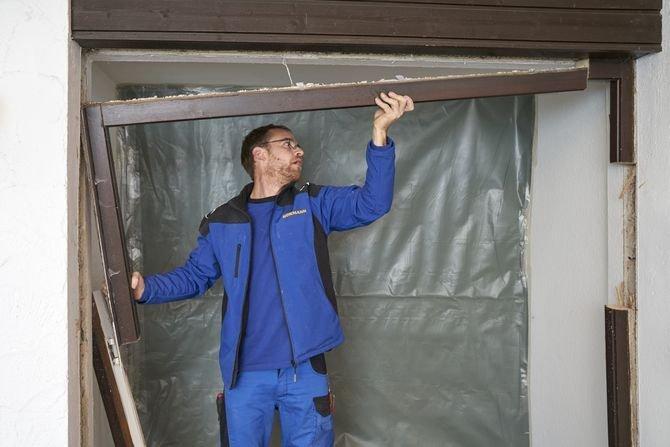 Usuwanie starych drzwi