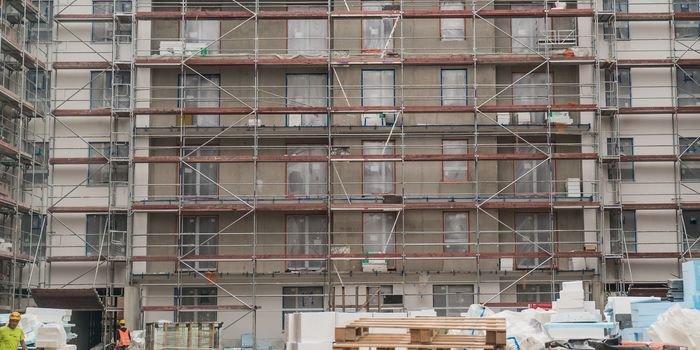 Opóźnienia dostaw materiałów budowlanych – przyczyny i skutki, fot. SWE